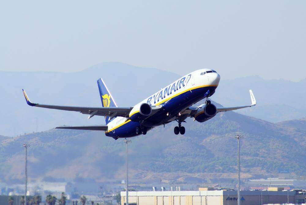 Ryanair Expands 737 Fleet